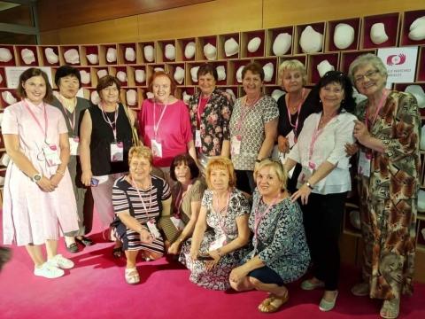 Možnosti spolupráce ČR se světem v oblasti vzdělávání, poradenství a prevence pro ženy po operaci prsu.